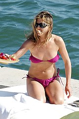 Jenn Aniston in bikini